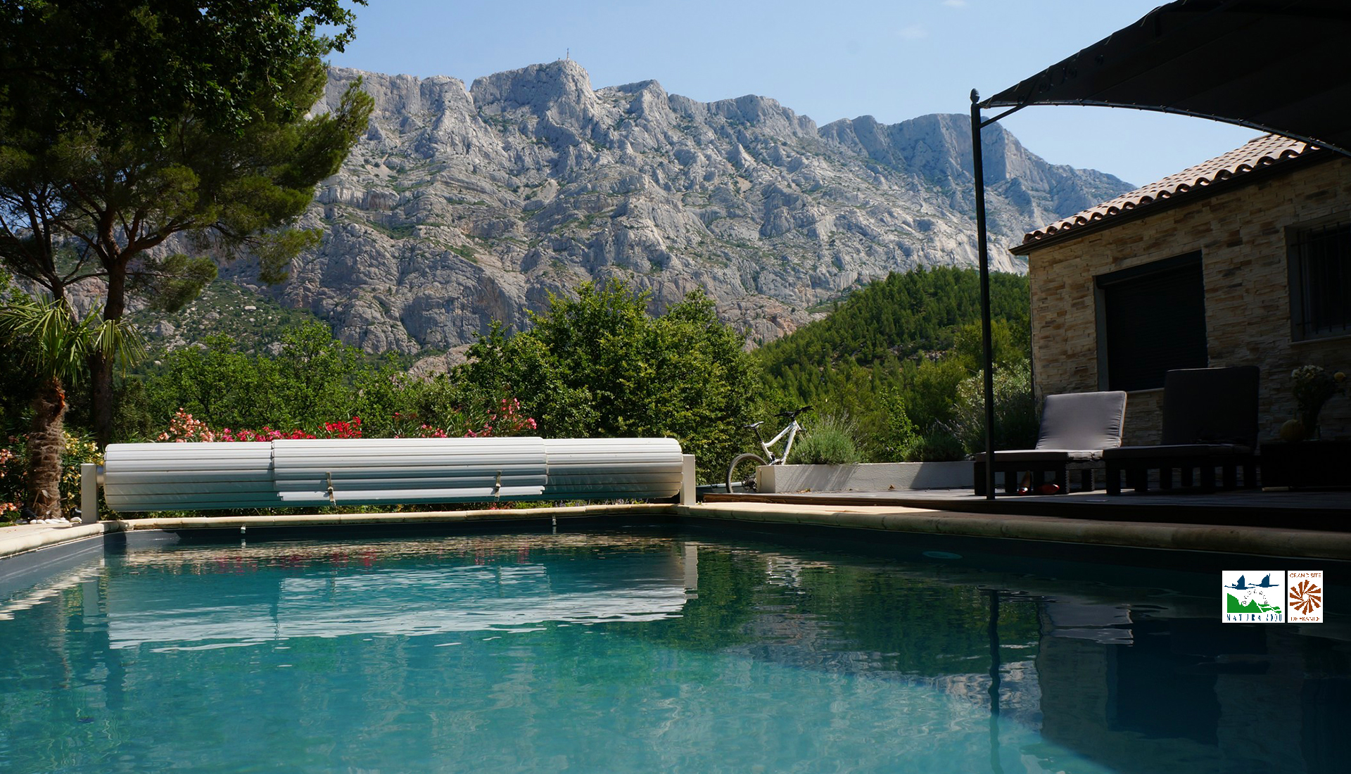 Vue piscine et Sainte-Victoire